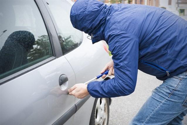 صور تفسير حلم سرقة السيارة , تفسير رؤية سرقة السيارة بمنامك