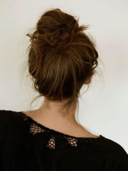بالصور تسريحات شعر بسيطة , اسهل تسريحة للشعر بشكل بسيط 6585 5