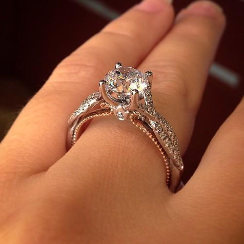 صوره تفسير حلم الخاتم الذهب للمتزوجة , اعرف تفسير رؤية الخاتم الذهب للمراه المتزوجة
