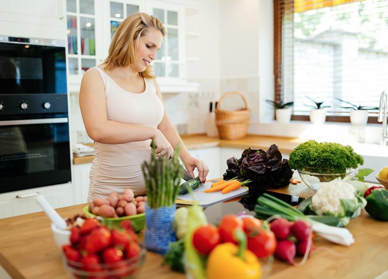 بالصور تغذية الحامل في الشهر الاول , تغذيه المراءه الحامل في الشهر الاول 2739