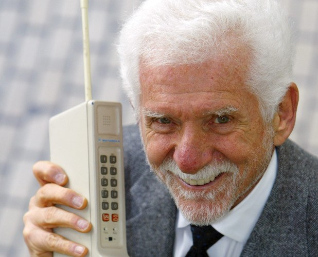 صورة من اخترع الهاتف , صاحب اختراع الهاتف
