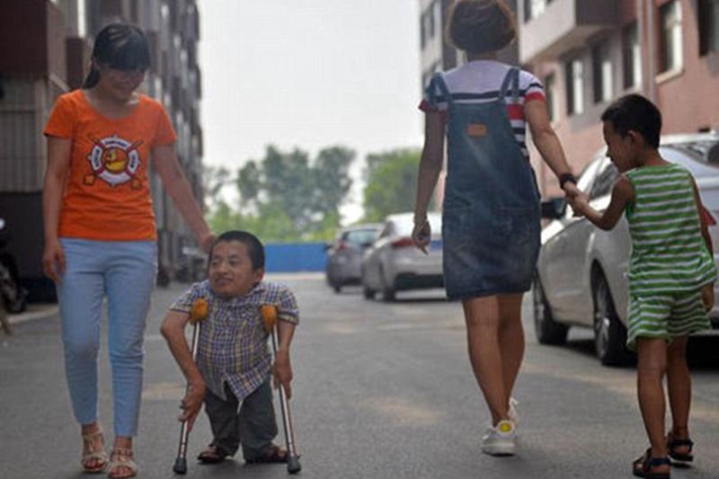 صورة اقصر رجل في العالم , صور لاقصر رجال في العالم