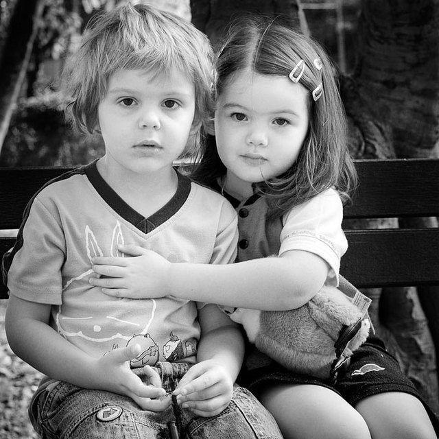 بالصور اصغر حبيبين , صور حب الطفوله 2817 10