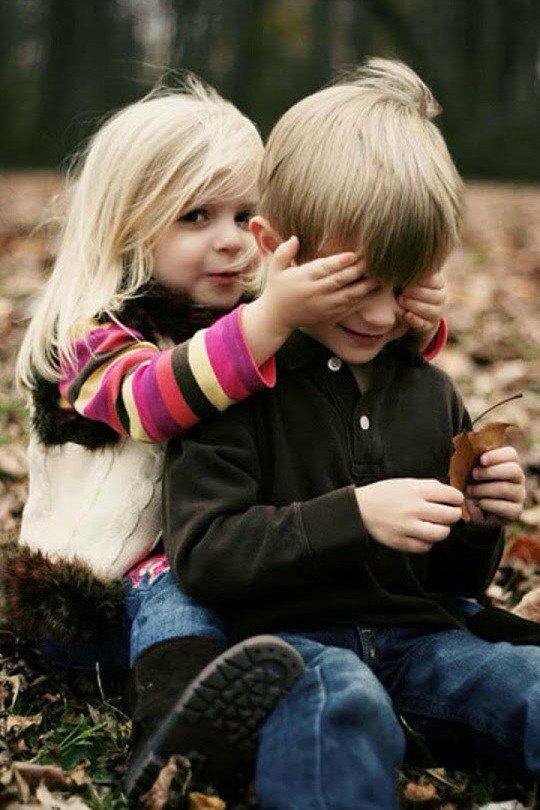 بالصور اصغر حبيبين , صور حب الطفوله 2817 2