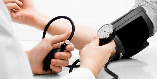 بالصور اعراض ارتفاع ضغط الدم , كيف تعرف ان ضغط الدم مرتفع 2823 1