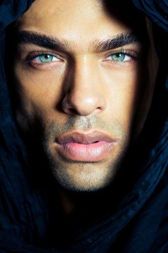 صور اجمل عيون رجال , السحر داخل عيون الرجال