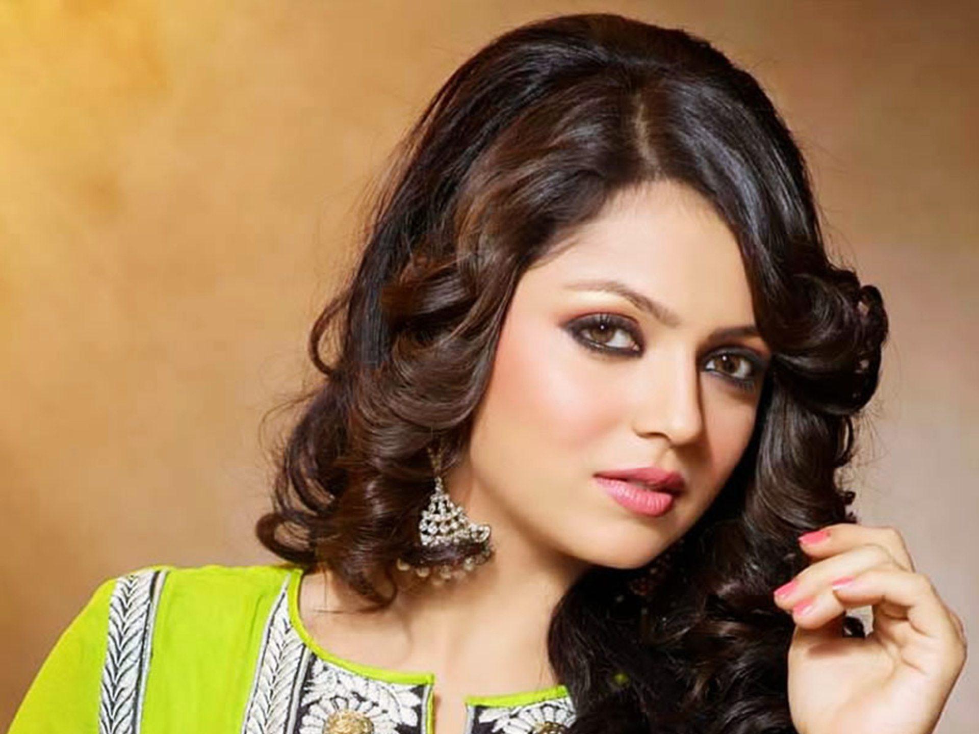 بالصور اجمل هنديه , صور اجمل الممثلات الهنديات 3581 10