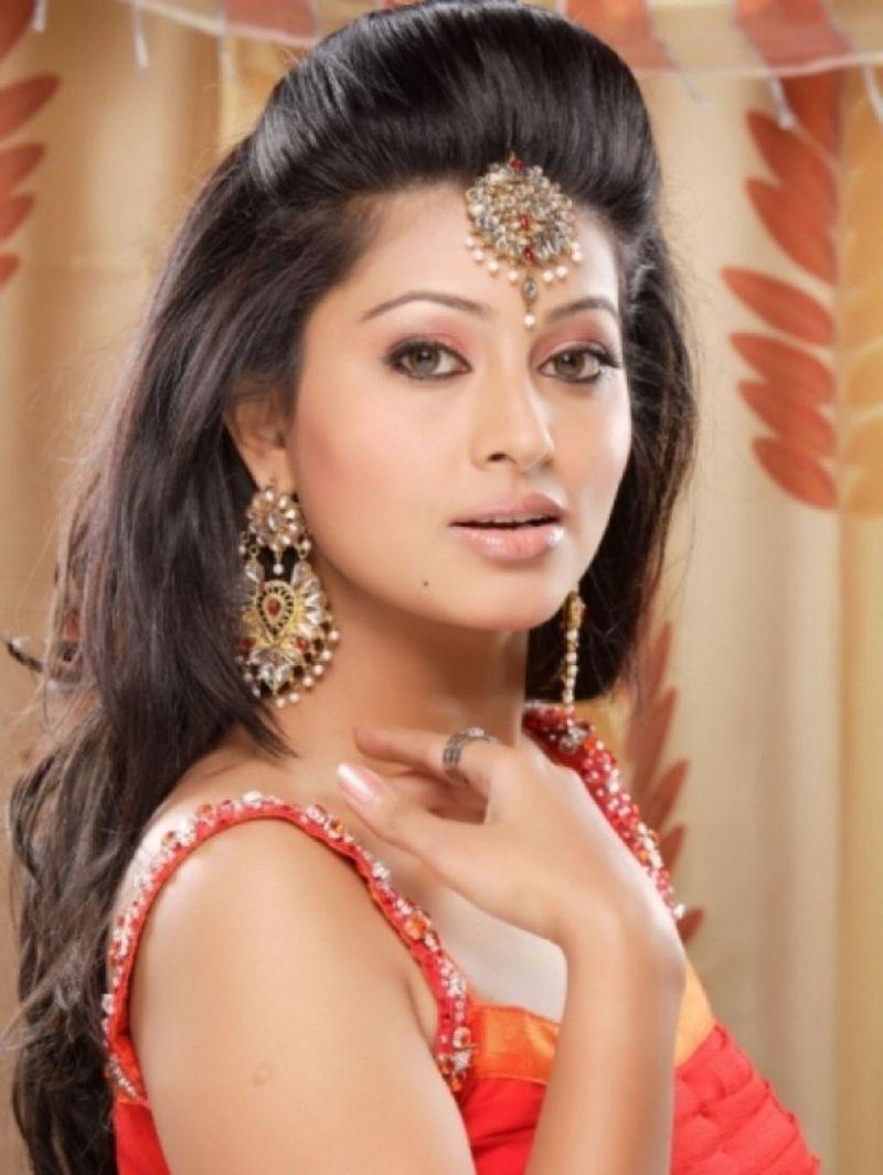 بالصور اجمل هنديه , صور اجمل الممثلات الهنديات 3581 9