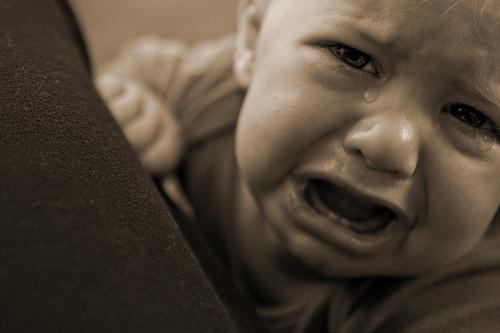 بالصور صور اطفال حزينه , اطفال بريئة حزينة 5367 10