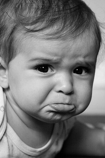 بالصور صور اطفال حزينه , اطفال بريئة حزينة 5367 3