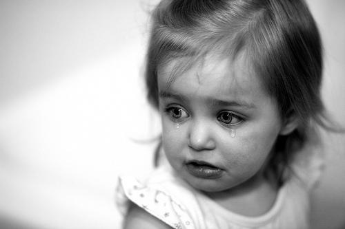 بالصور صور اطفال حزينه , اطفال بريئة حزينة 5367 4
