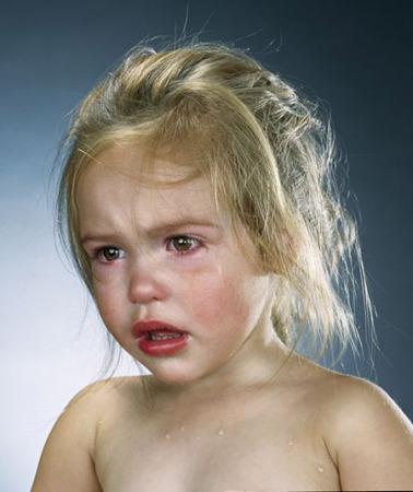 بالصور صور اطفال حزينه , اطفال بريئة حزينة 5367 7
