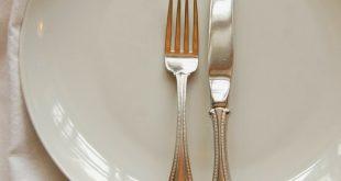 بالصور اتيكيت الشوكة والسكين , تعلم قواعد تناول الطعام بالشوكه والسكين 5915 3 310x165