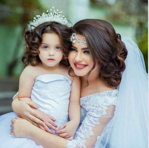 بالصور صور ام وبنتها , اجمل مشاعر بين الام وطفلتها 3037 5