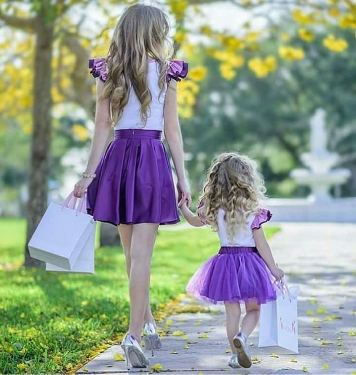 بالصور صور ام وبنتها , اجمل مشاعر بين الام وطفلتها 3037 8
