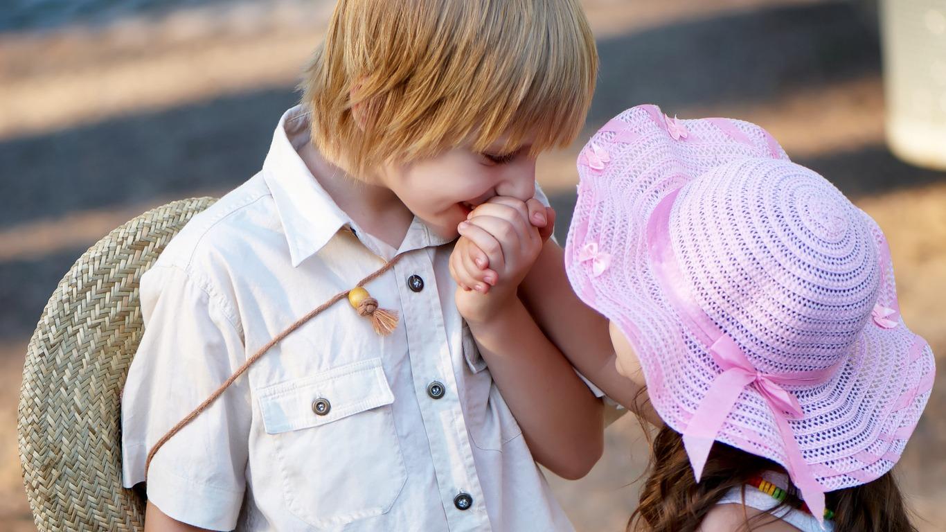 بالصور صور ولد وبنت , الحب الصادق في الطفوله 3063 7