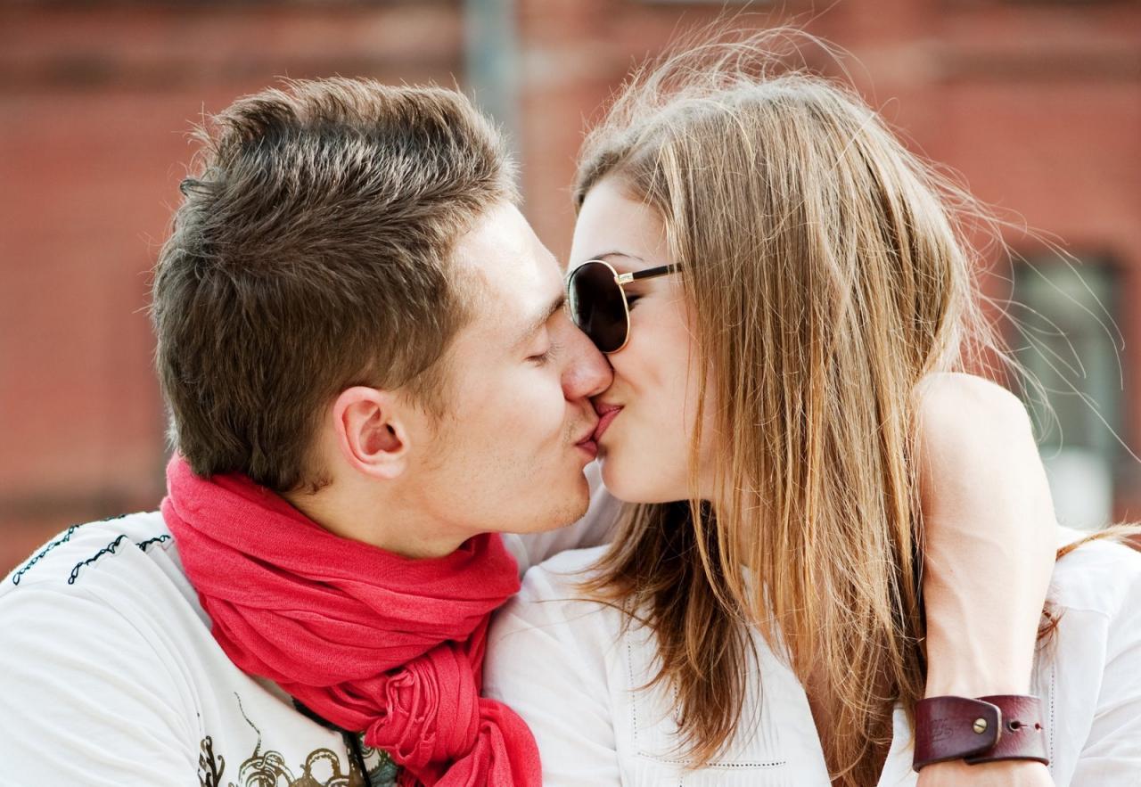 صورة صور بوس رومانسي , اجمل صور الحب الرومانسية 3186 8
