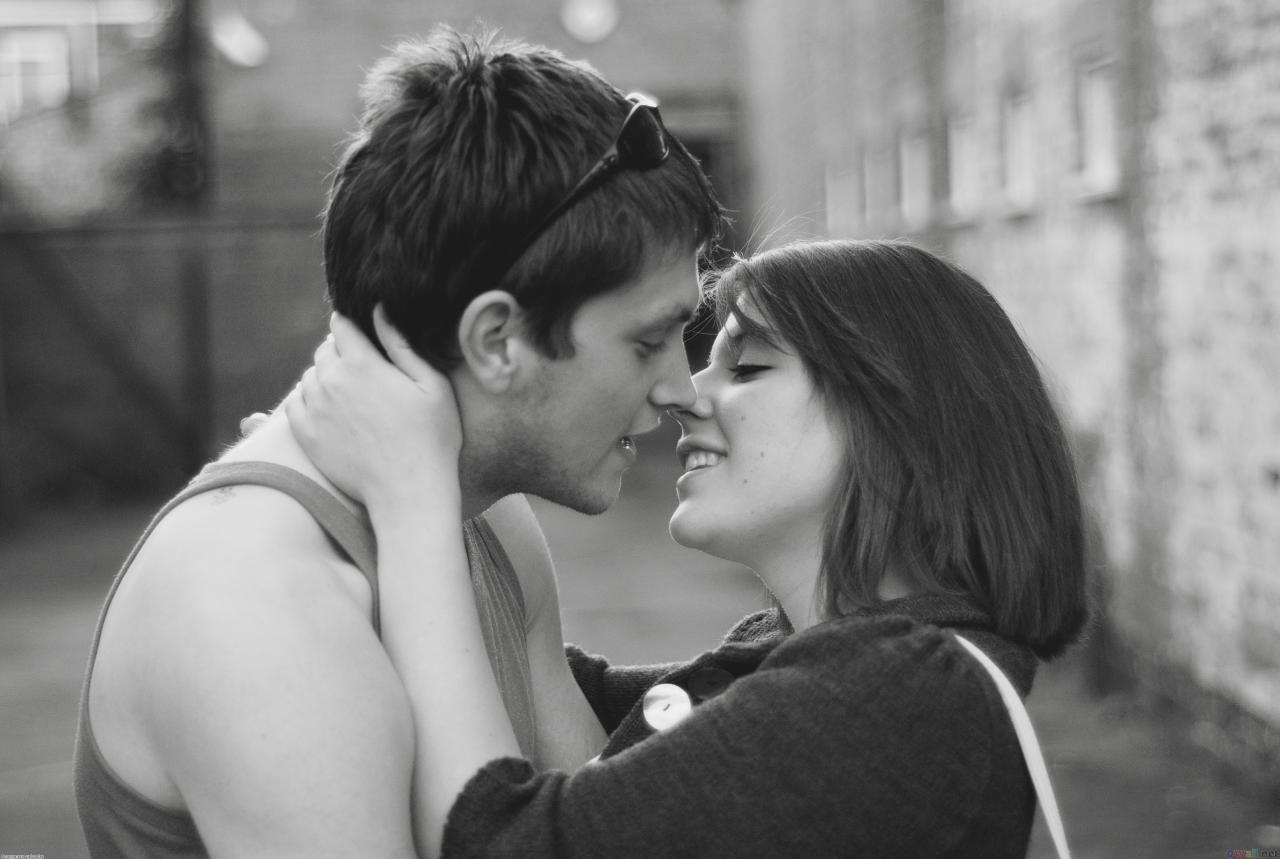 صورة صور بوس رومانسي , اجمل صور الحب الرومانسية 3186 9