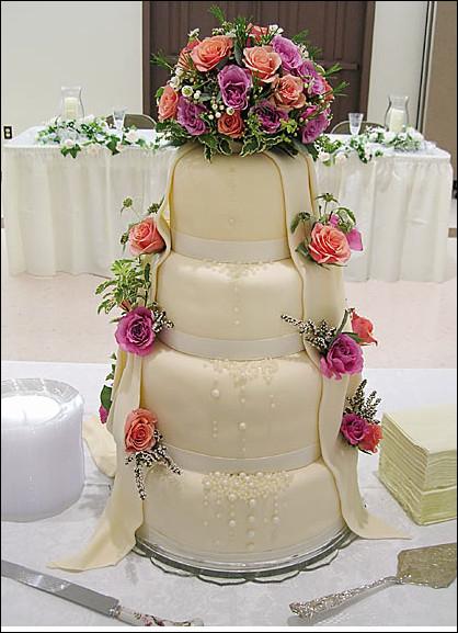 بالصور اجمل تورته فى العالم , تورتات حفلات الزفاف 6093 4