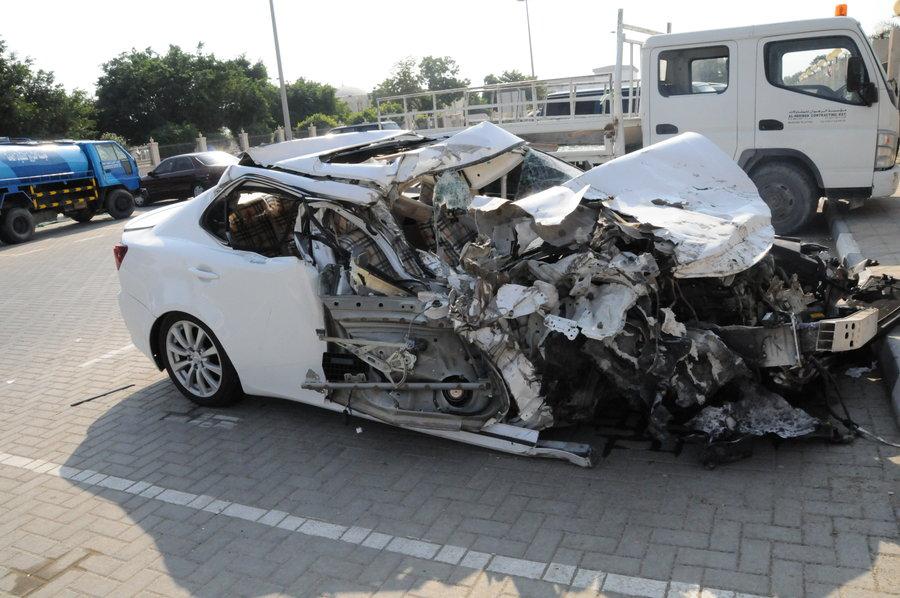 بالصور سيارات مصدومه , حوادث السيارات وكوارثها 622 1