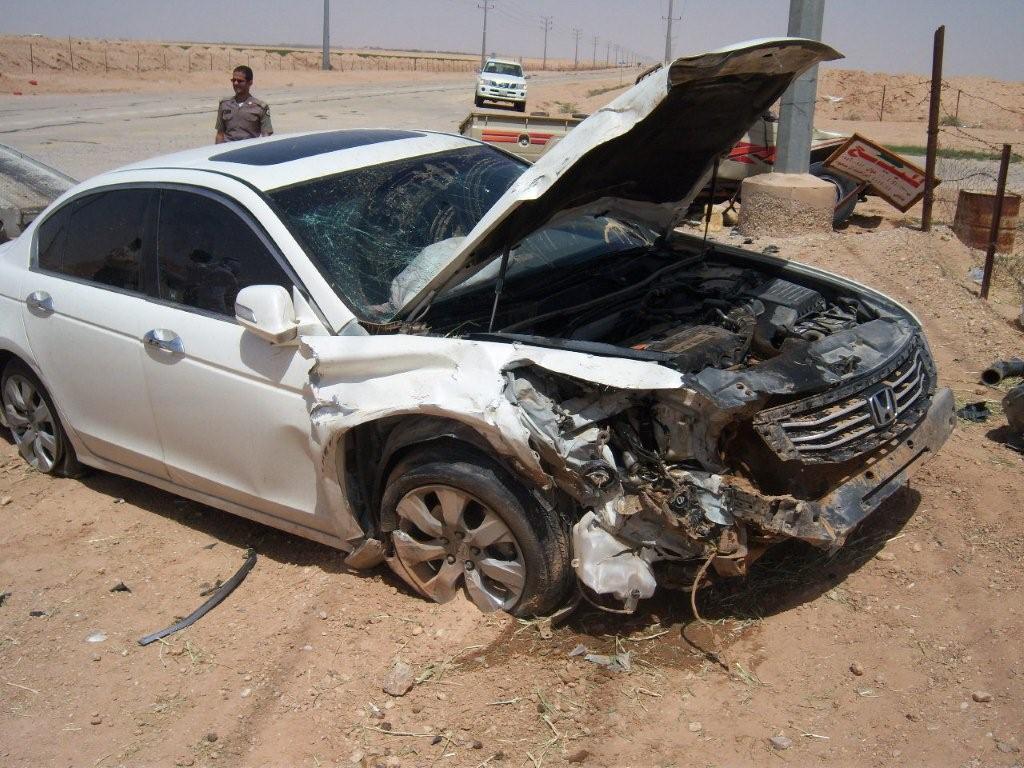 بالصور سيارات مصدومه , حوادث السيارات وكوارثها 622