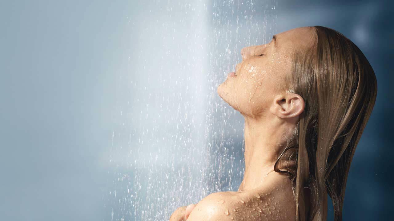 صورة تفسير حلم الستحمام , رؤية الاستحمام في المنام