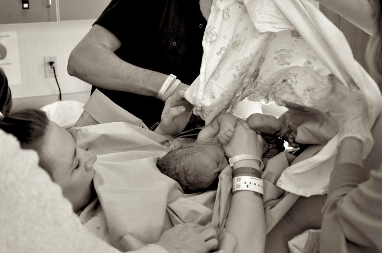 صورة الولادة الطبيعية بالصور لحظة بلحظة , ماذا يحدث في الولادة