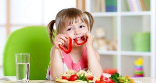 صورة وسائل جعل الطفل سليم صحيا , تغذية الطفل