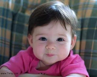 صورة طفل يحمل كل معاني الجمال اطفال صغار حلوين 4284 2
