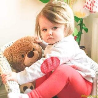 صورة طفل يحمل كل معاني الجمال اطفال صغار حلوين 4284 6